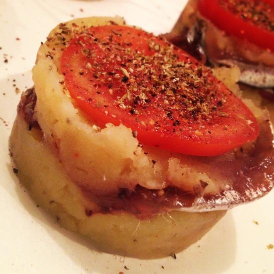 Tortino di acciughe e patate con Marzaghe Franciacorta Brut