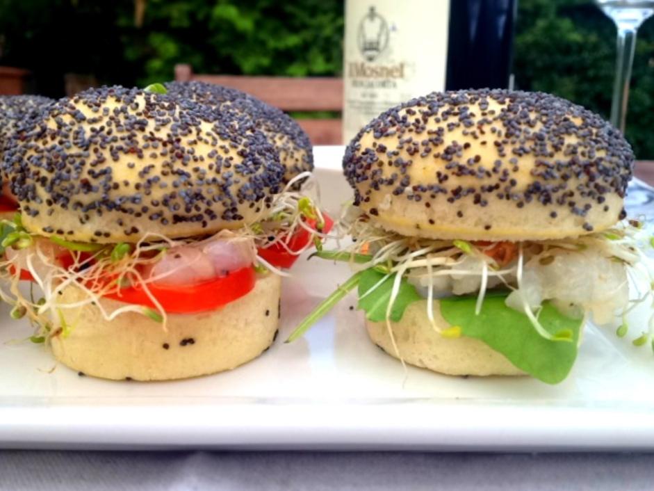 #fighifingers mini panini con tartare di pescatrice e germogli