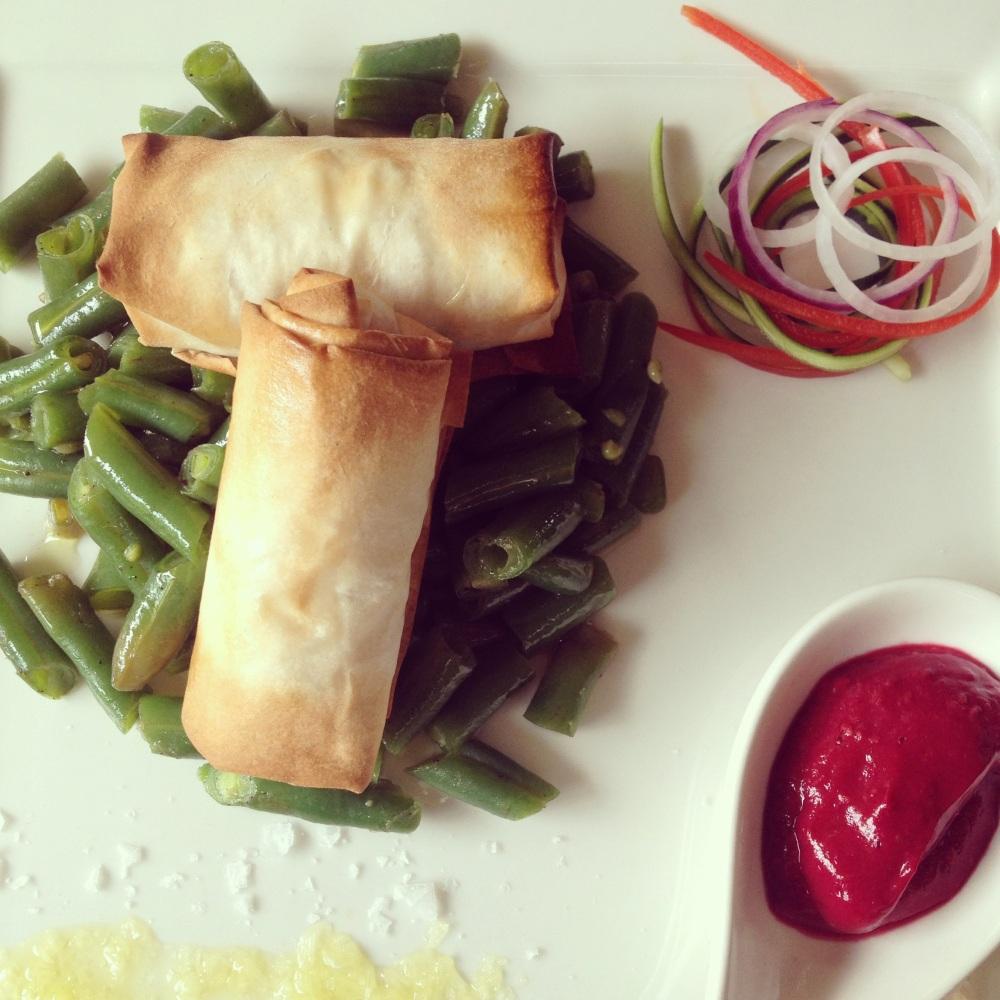 Fagottini con ricotta e verdure, fagiolini e salsa ai lamponi e #Franciacorta