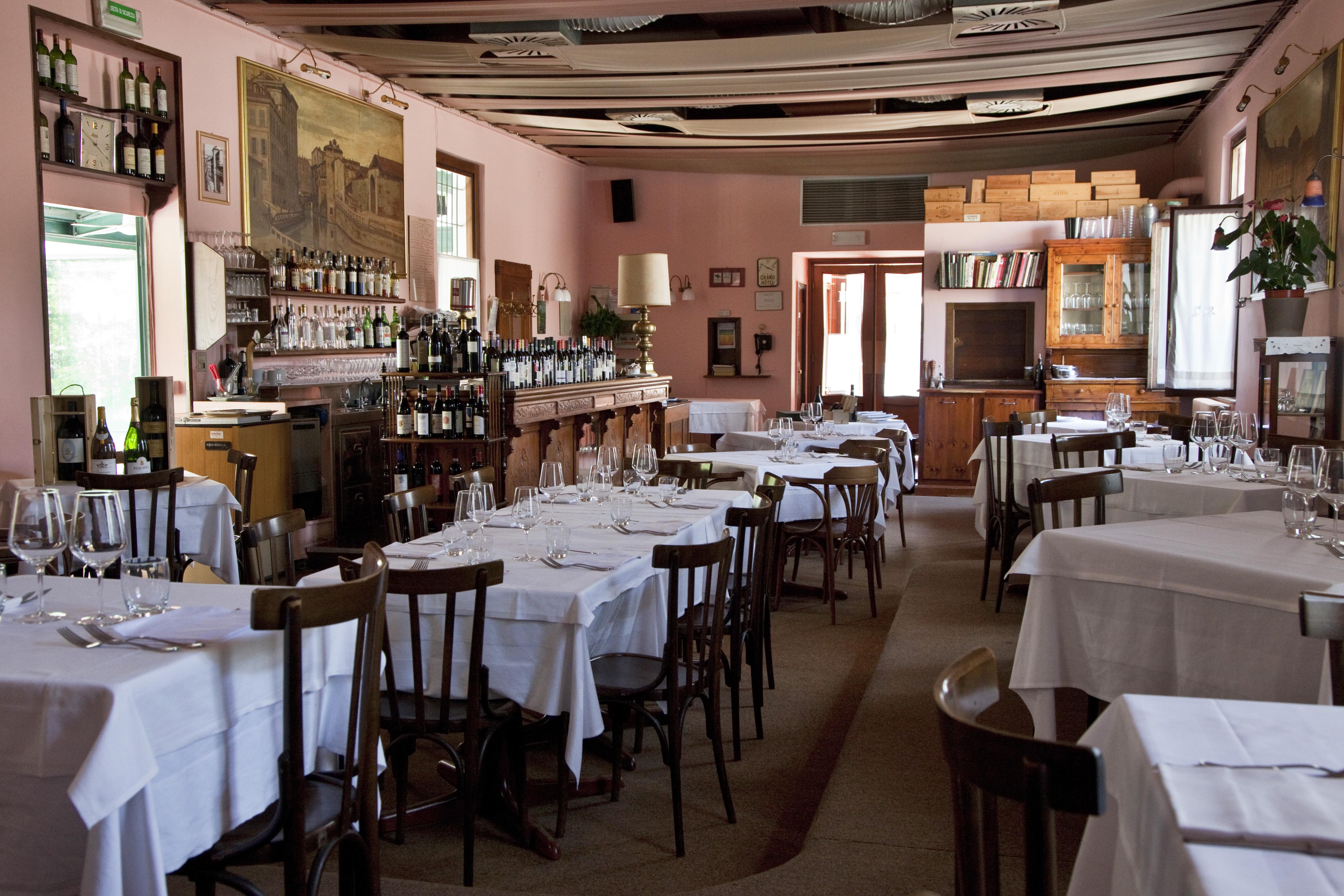 Cena dell alleanza con franciacorta all osteria grand for Grand hotel milano