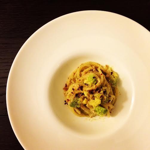 Spaghettone con broccolo romano e acciughe